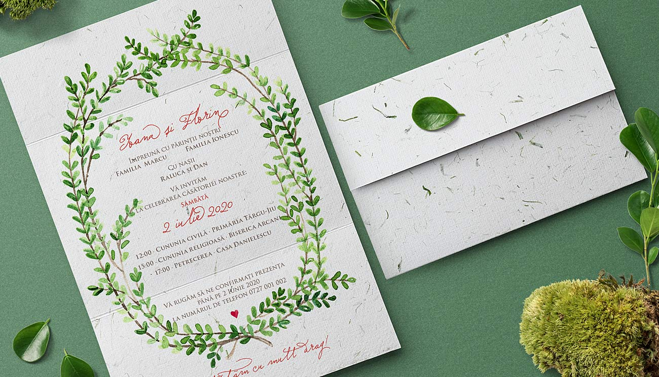 Frunze verzi - O invitatie de nunta deosebita cu ilustratie pictata in acuarela, printata pe hartie manuala cu insertii naturale de iarba verde.