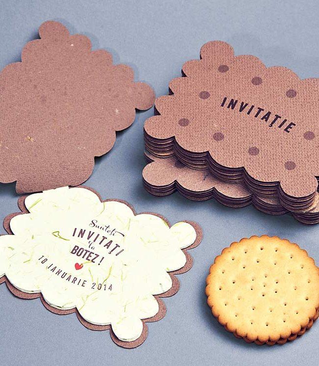invitatie botez Invitatia biscuit este o modalitate inedita de a chema micii prieteni ai copilului tau la o petrecere foarte dulce