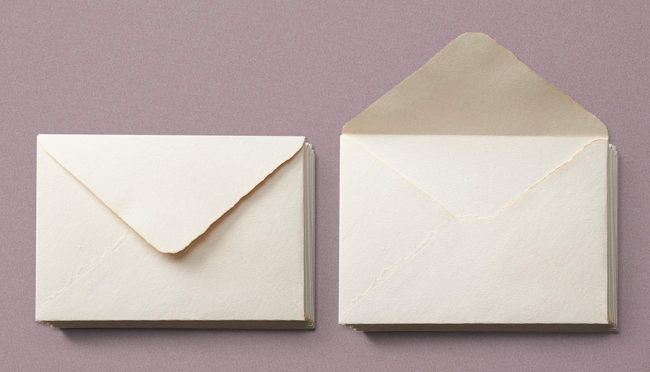 Handmade paper envelope A5 format, textured, white or ivoire, natural edges, deckle edges, paper for letterpress, handmade paper for invitations