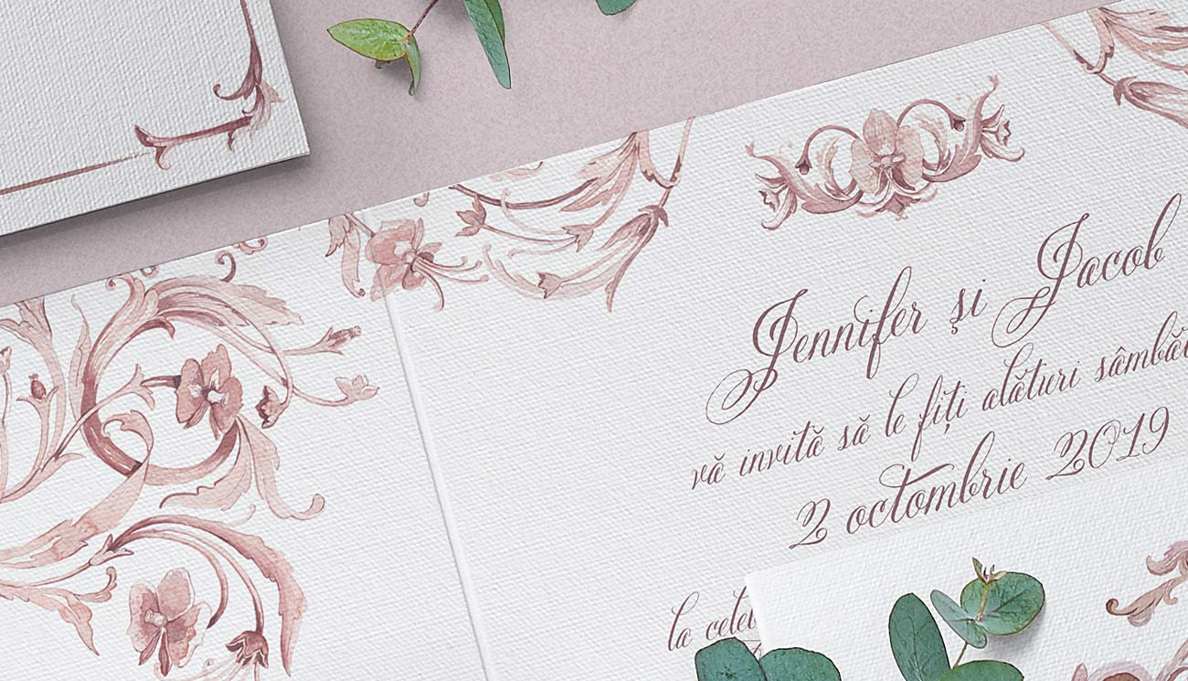 "Royal Wedding O invitatie de nunta luxury, cu tema Royal Wedding, realizata din hartie manuala alba speciala, ilustratiile pictate in acuarela in tonuri ""nude"" - text elegant"
