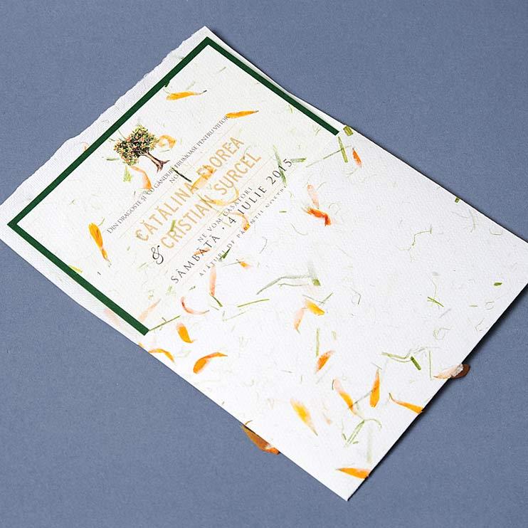 Invitatie naturala, invitatie verde, petale de flori nunta